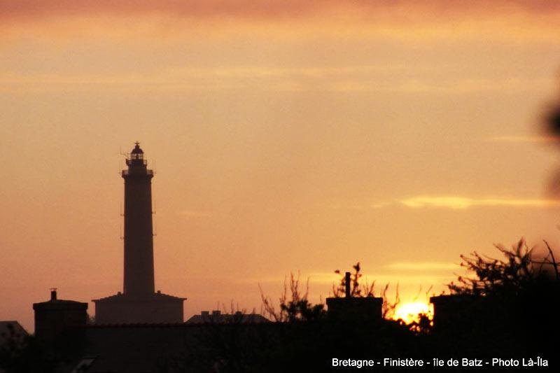 Ile de Batz, coucher de soleil au Phare